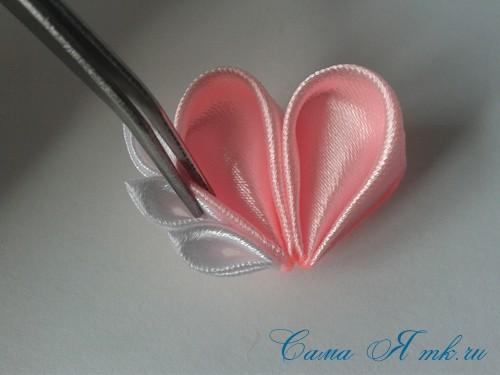 заколочка сердечко канзаши из атласных лент своими руками мк мастер-класс 32