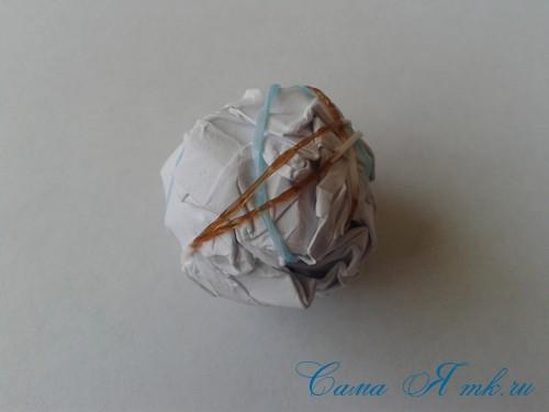 как сделать мячик-попрыгунчик из остатков резиночек 4
