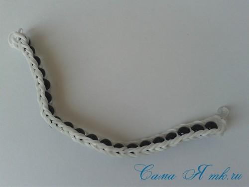 браслет из резинок с бусинами на рогатке 35