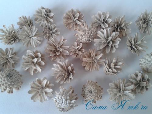 белые шишки для новогоднего декора отбеливаем сосновые шишки белизной 10