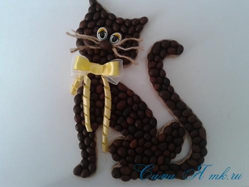 кот магнит кофейный