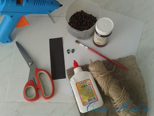 кофейный кот магнит на холодильник из кофейных зерен своими руками 1