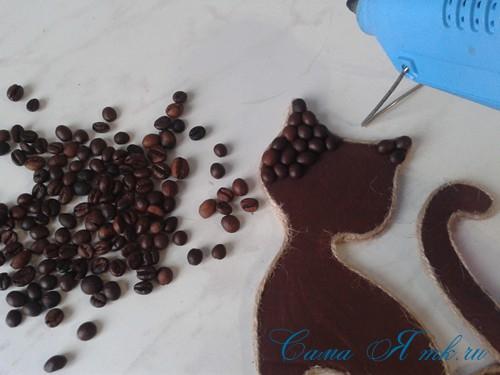 кофейный кот магнит на холодильник из кофейных зерен своими руками 23