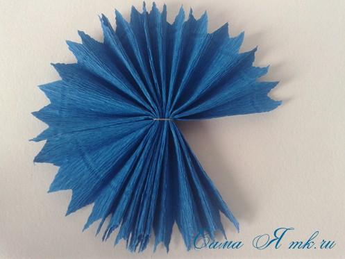 объемные ёлочки из гофрированной бумаги без конуса 13