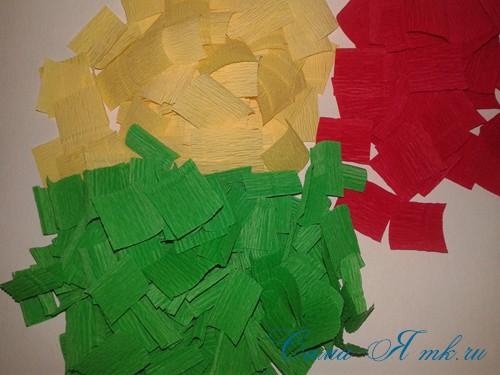ёлки из гофро гофрированной бумаге своими руками на основе из конуса лепестками валанами торцевание 22