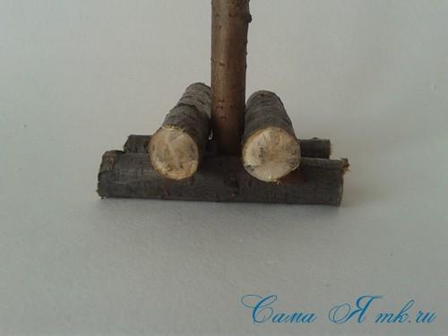 маленькая ёлка ёлочка из шишек своими руками мастер класс с фото 4