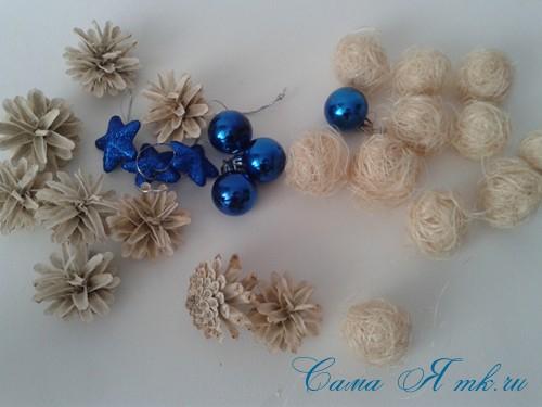 новогодний топиарий из сизаля белых шишек и шаров своими руками фото и мк 19