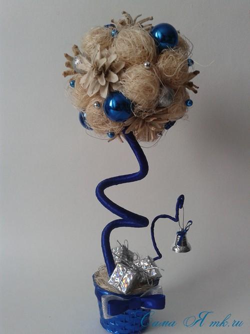 новогодний топиарий из сизаля белых шишек и шаров своими руками фото и мк 21