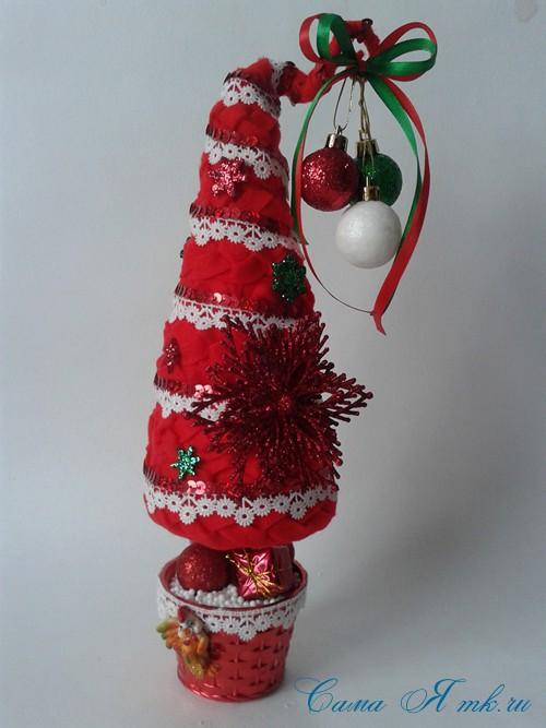ёлка ёлочка топиарий из фетра косичкой своими руками новогодние сувениры 22