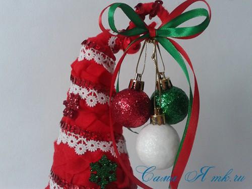 ёлка ёлочка топиарий из фетра косичкой своими руками новогодние сувениры 24