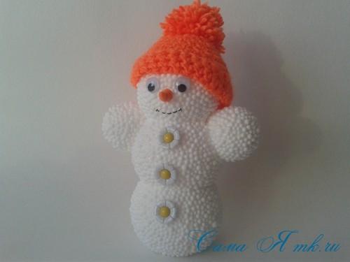 поделки шарики снеговик ёлка из мелких цветных шариков пенопласта своими руками 11 (Copy)