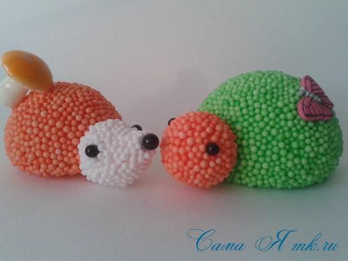 поделки шарики снеговик ёлка из мелких цветных шариков пенопласта своими руками 16 (Copy)