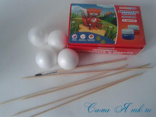 поделки шарики снеговик ёлка из мелких цветных шариков пенопласта своими руками 2 (Copy)