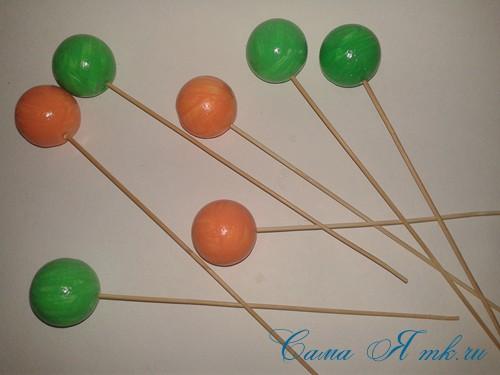 поделки шарики снеговик ёлка из мелких цветных шариков пенопласта своими руками 4 (Copy)