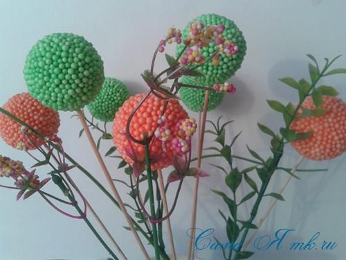 поделки шарики снеговик ёлка из мелких цветных шариков пенопласта своими руками 8 (Copy)