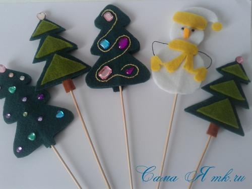 ёлочные игрушки украшения на ёлку подвески из фетра своими руками десткие новогодние поделки из фетра  2