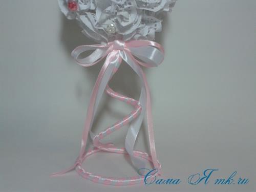 топиарий на день валентина влюбленных с розами из ажурных салфеток 4 (Copy)