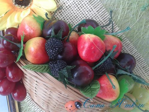объеное анно коллаж из муляжных декоративных фруктов и ягод на стену своими руками 35