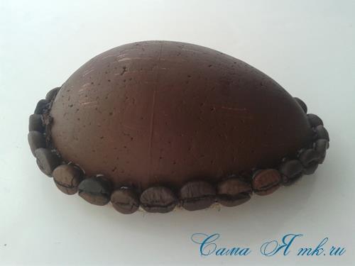Кофейные магниты яички из зерен кофе на холодильник к Пасхе в форме яйца своими руками  12