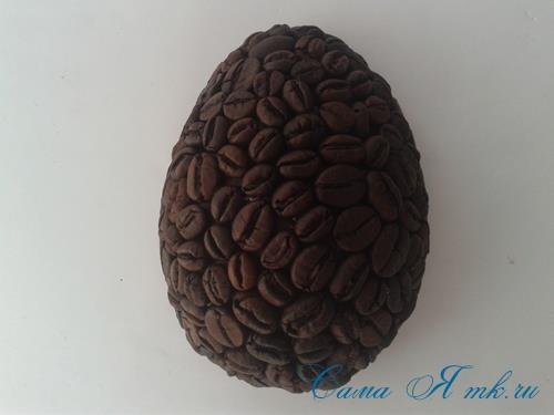 Кофейные магниты яички из зерен кофе на холодильник к Пасхе в форме яйца своими руками  15