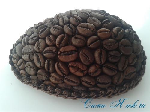 Кофейные магниты яички из зерен кофе на холодильник к Пасхе в форме яйца своими руками  19