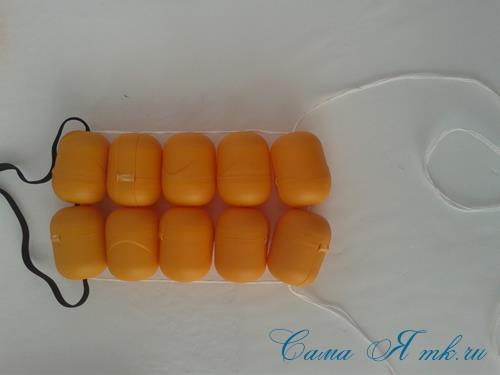 Поделки из-под капсул от Киндер сюрприза - детский массажер для тела для зарядки своими руками 11