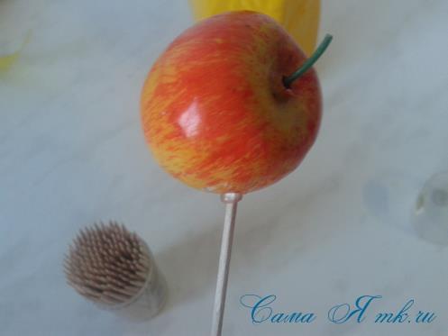 Фруктовый топиарий из тонкого флористического фетра методом торцевания своими руками 5