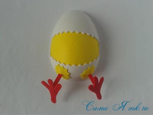 Пасхальная поделка из фоамирана  цыпленок  в скорлупке магнит на холодильник своими руками 24
