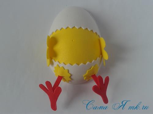 Пасхальная поделка из фоамирана  цыпленок  в скорлупке магнит на холодильник своими руками 25