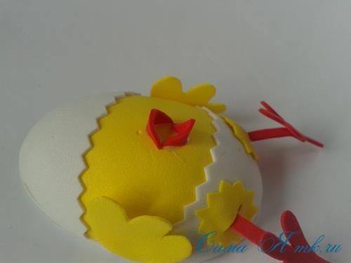 Пасхальная поделка из фоамирана  цыпленок  в скорлупке магнит на холодильник своими руками 26