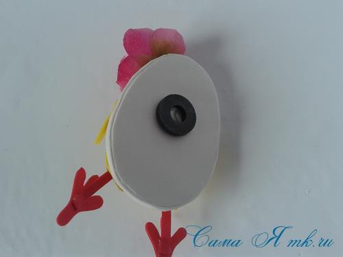 Пасхальная поделка из фоамирана  цыпленок  в скорлупке магнит на холодильник своими руками 29